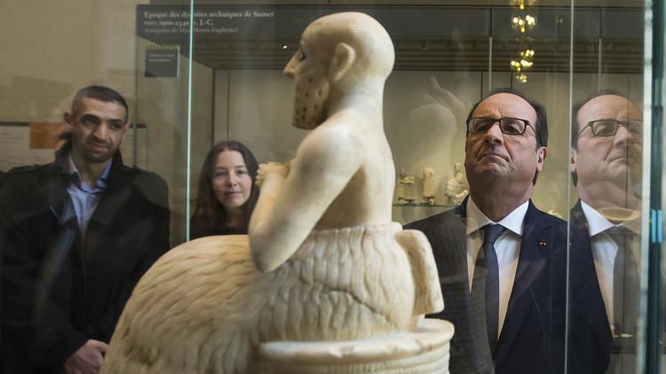 هولاند يريد نقل آثار سوريا والعراق المهددة إلى اللوفر