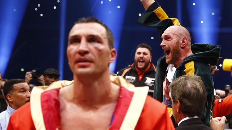كليتشكو يواجه جوشوا على لقب بطل رابطة الملاكمة العالمية