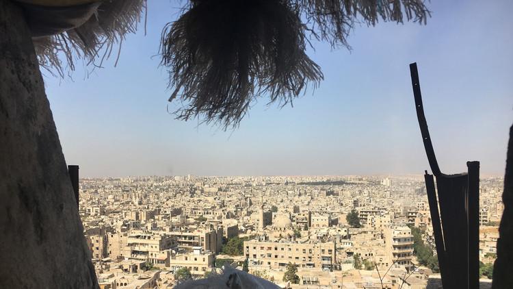 خبير: تحرير حلب يغير مجرى الحرب وتحرير الموصل دعاية لواشنطن