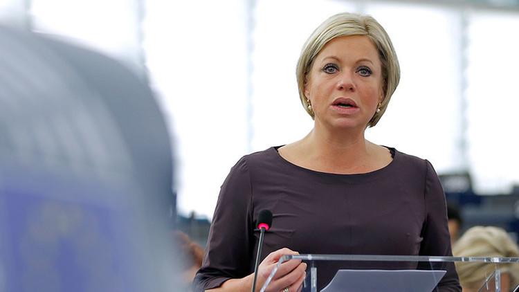 البكتيريا آكلة اللحم تصيب وزيرة الدفاع الهولندية