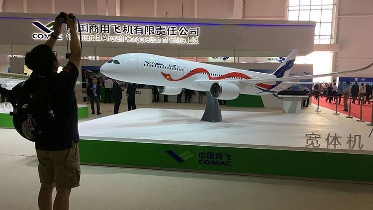 روسيا والصين تكشفان عن طائرة منافسة لبوينغ وإيرباص