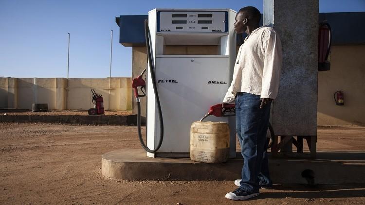 السودان يرفع الدعم جزئيا عن الكهرباء والوقود