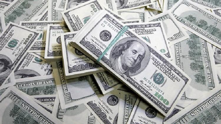 الدولار قرب أدنى مستوى في 12 أسبوعا بعد صعود ترامب