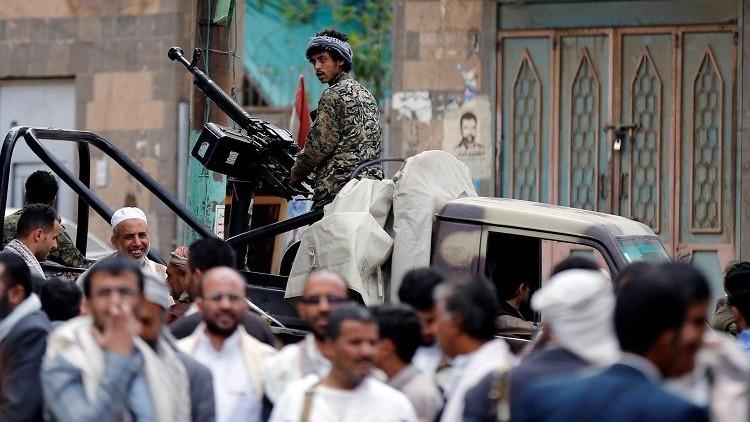 بالصور والفيديو.. الحوثيون ينشرون تسجيلا يقولون إنهلجنود سعوديين أسرى