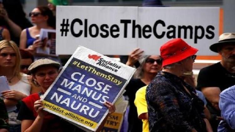 متطرفون أستراليون يحتجون على إيواء لاجئين من سوريا والعراق