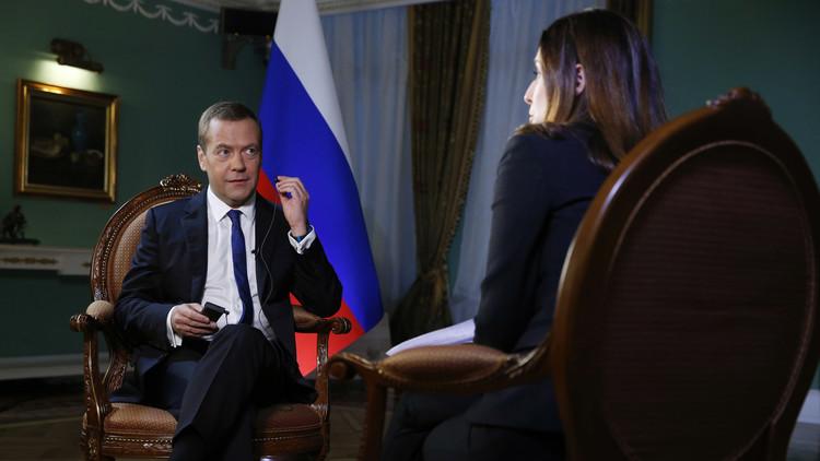 مدفيديف: هدفنا الأساسي في سوريا منع عودة المسلحين إلى روسيا
