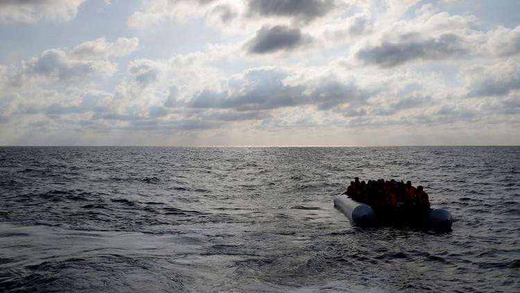 الهلال الأحمر الليبي ينتشل جثث 40 مهاجرا وإيطاليا تنقذ 2200 شخص