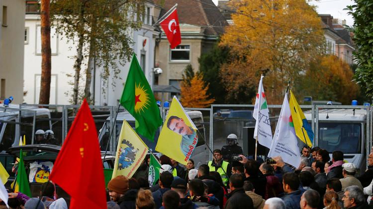 اعتقال النواب الأكراد .. آخر مسمار في نعش السلام والاستقرار في تركيا