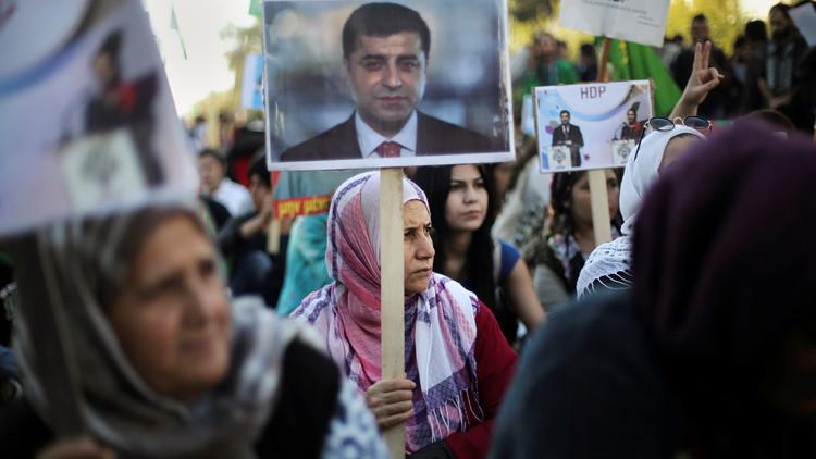 عمليات التطهير في تركيا وصلت إلى البرلمان