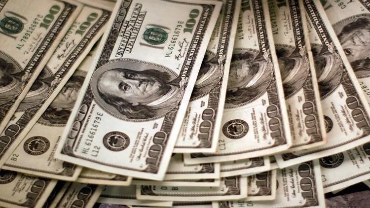 البريد الالكتروني لكلينتون يرفع الدولار
