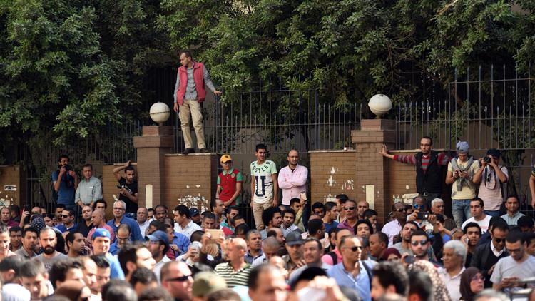 11نوفمبر-كرةاللهب التي يتقاذفها الجميع في مصر