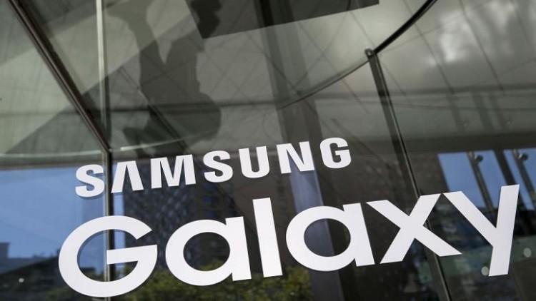 في تحدٍ جديد لآبل.. سامسونغ تطلق مساعد صوتي مبهر في غالاكسي S8