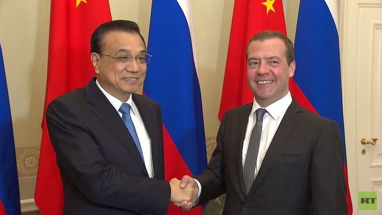 موسكو تدعو بكين لتعزيز التعاون الاقتصادي