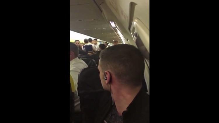 طائرة إيرلندية تهبط اضطراريا بسبب مشاجرة