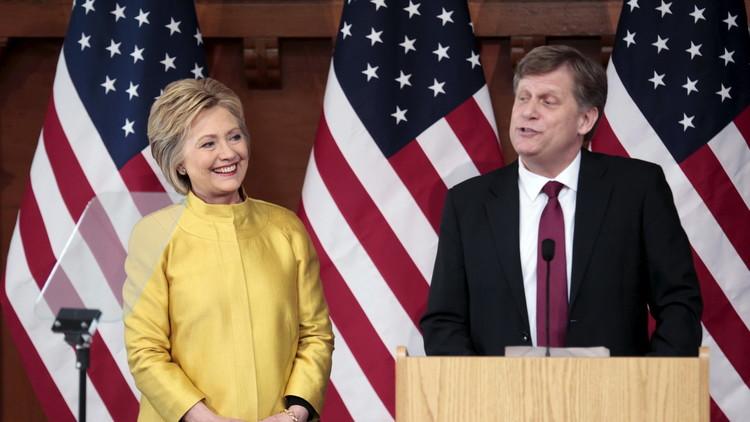 السفير الأمريكي السابق لدى موسكو: هيلاري كلينتون لا تريد صراعا مع روسيا