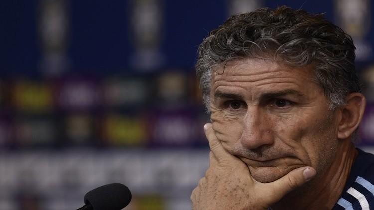 مدرب الأرجنتين يعلن عن تشكيلته لمواجهة البرازيل