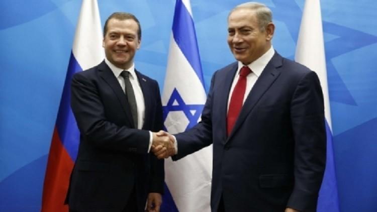 ظهور حاملة الطائرات والمضادات الجوية الروسية يقلق الجيش الإسرائيلي