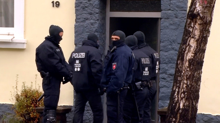 ألمانيا تمدد اعتقال سوري له صلات بـ