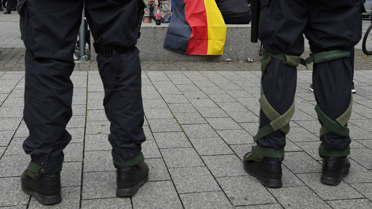 نازيون ألمان جدد ينشرون بيانات عن مؤسسات يهودية والشرطة تحقق