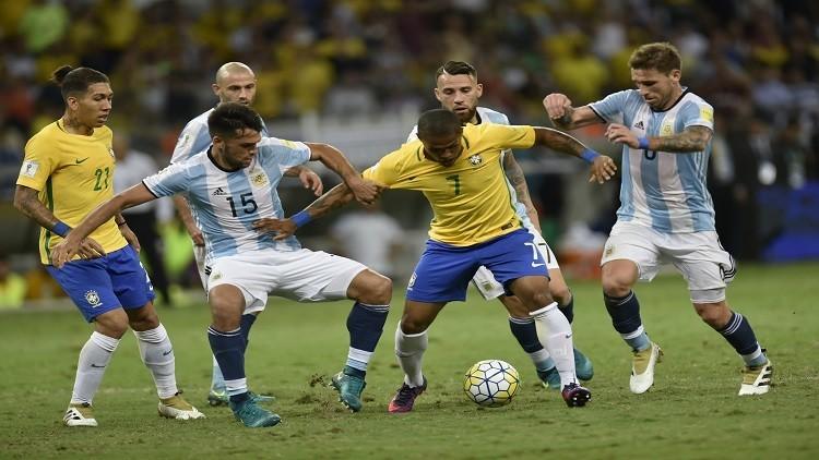 البرازيل تقسو على الأرجنتين بثلاثية في