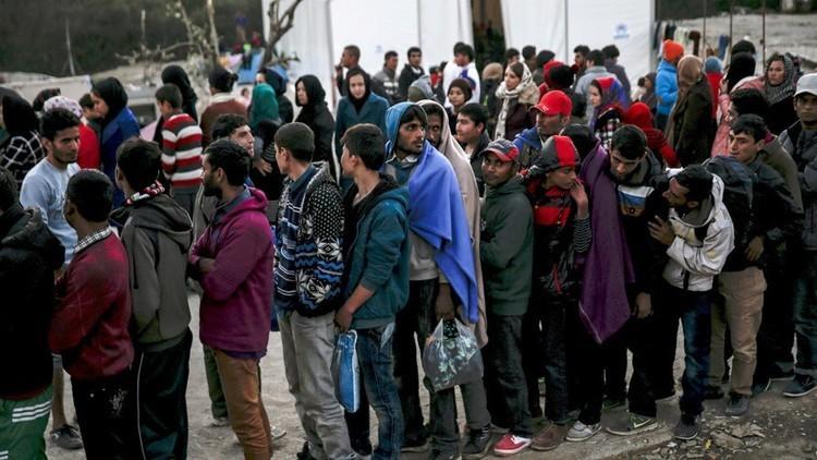 السويد تمدد العمل بالقيود التي فرضتها على دخول اللاجئين
