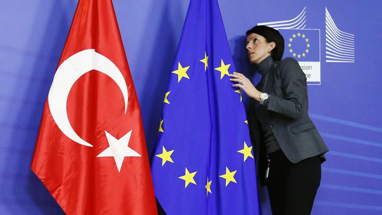 تزايد الضغوط على الاتحاد الأوروبي لوقف محادثات انضمام تركيا