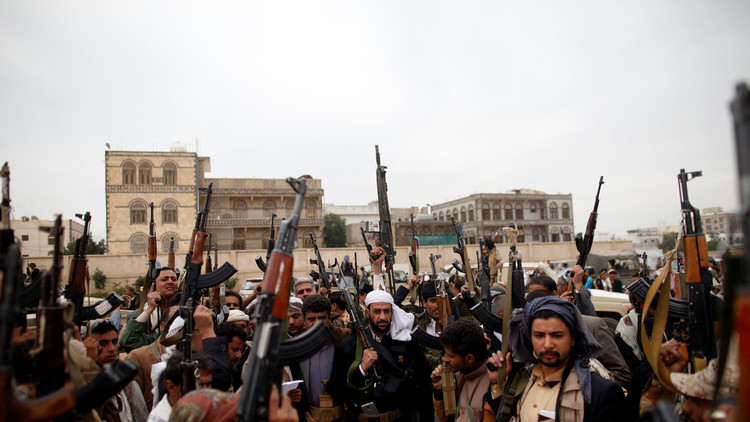 لقاءات سرية للحوثيين والمواجهات تتصاعد على الحدود السعودية