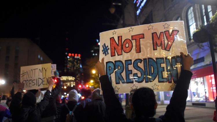 آلاف الأمريكيين يحتجون مجددا على فوز ترامب