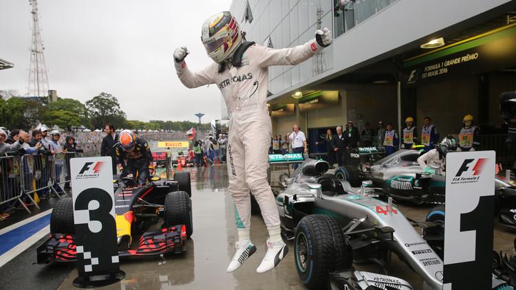 جائزة البرازيل الكبرى.. هاميلتون يؤجل الحسم إلى جولة أبوظبي بعد سباق مجنون