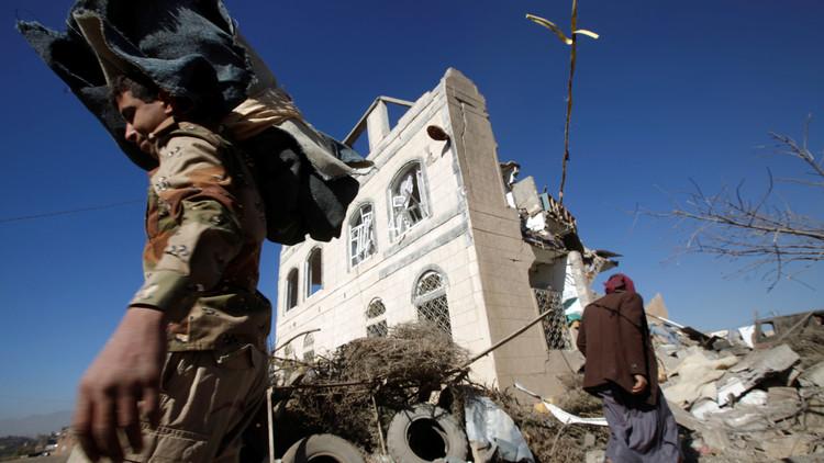 نيويورك تايمز: ضرب اقتصاد اليمن أحد أهداف غارات التحالف العربي