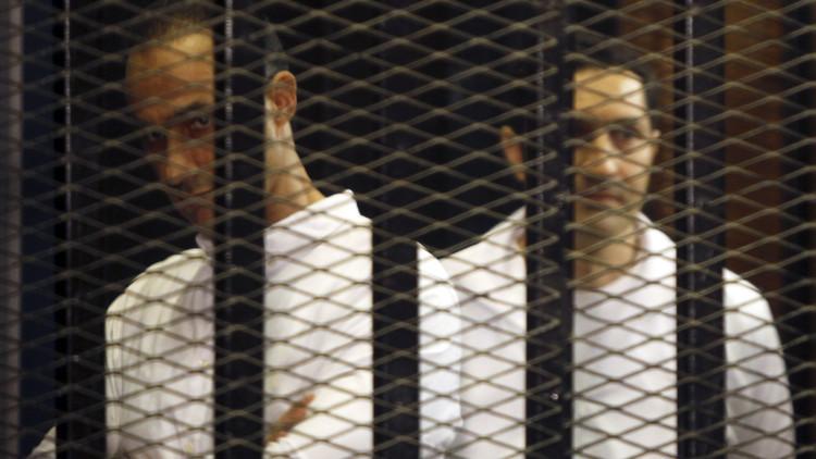 جمال وعلاء مبارك ممنوعان من العمل السياسي بحكم قضائي