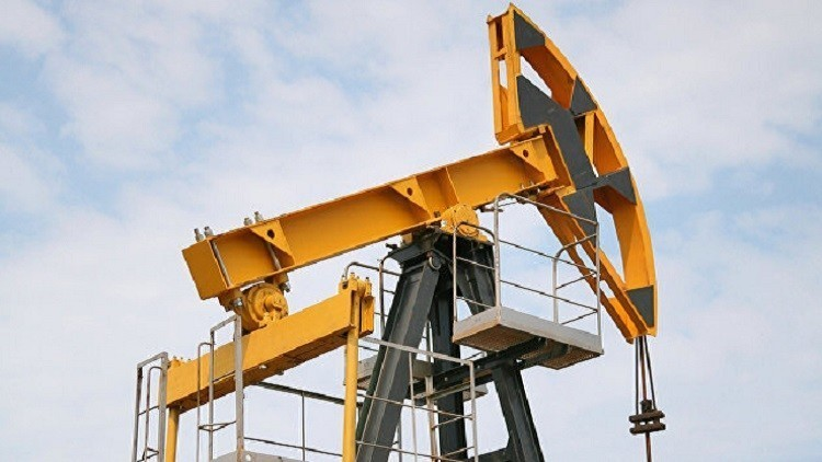 انخفاض أسعار النفط بفعل زيادة المخزونات الأمريكية