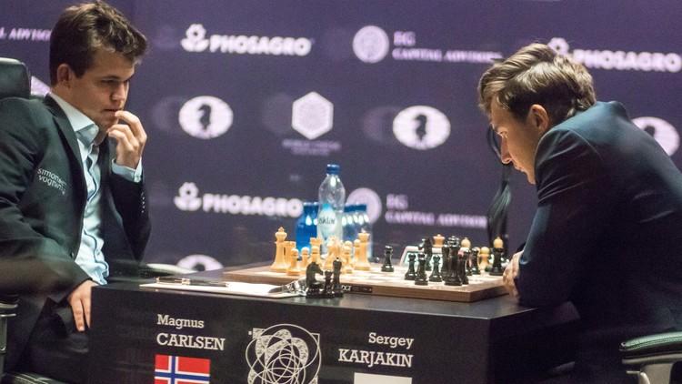من يكسر الجليد أولا على رقعة الشطرنج!