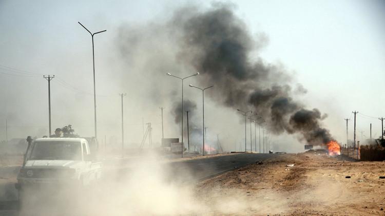 قرد يشعل حربا بالأسلحة الثقيلة بليبيا