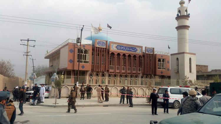 32 قتيلا في تفجير مسجد شيعي بكابل.. و