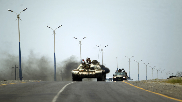 تغييرات هادي في قيادة الجيش لن تؤثر على المعارك