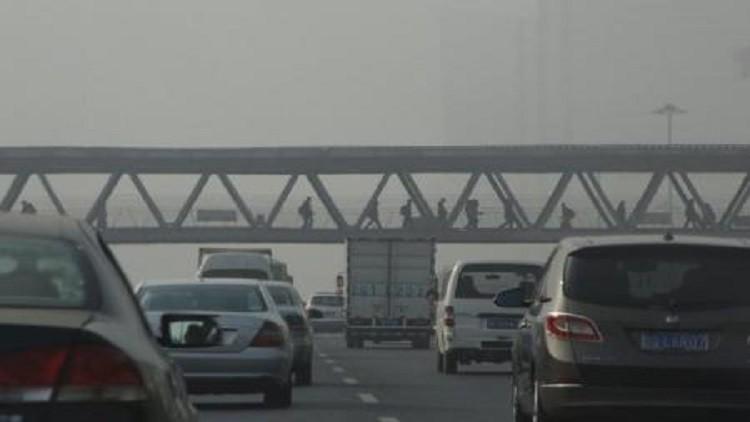 بكين تحظر السيارات القديمة الملوثة للبيئة