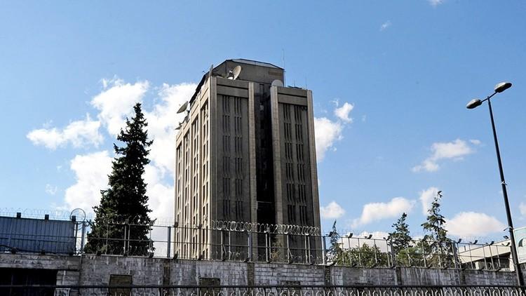 يوميات السفارة الروسية في دمشق.. طباخ خاص وحوض محصن!