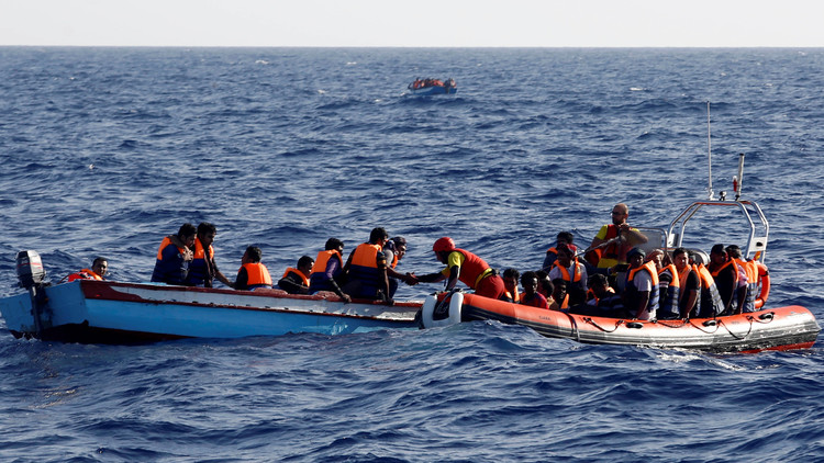 مصرع 8 أشخاص خلال محاولتهم الوصول إلى إيطاليا من ليبيا وإنقاذ 1500