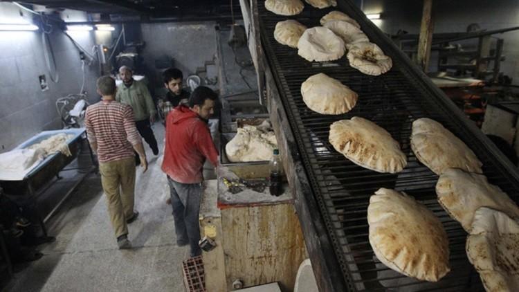 وزارة التموين السورية تتعهد بحل أزمة الخبز