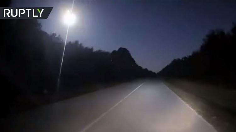 شهاب وهاج ضبطته كاميرات في ولاية فلوريدا (فيديو)