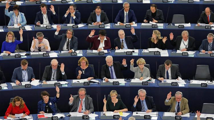 البرلمان الأوروبي يطلب تعليق مفاوضات انضمام تركيا إلى الاتحاد الأوروبي
