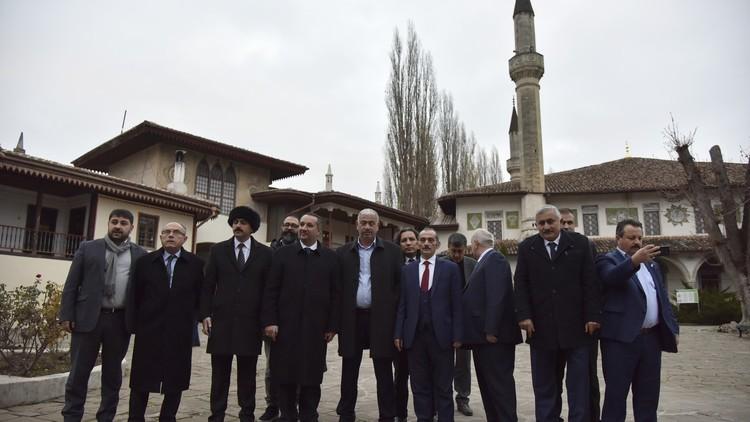وفد تركي في القرم فهل يعترف أردوغان بتبعيتها لروسيا؟