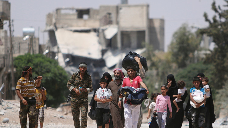 حميميم: خروج 17 مدنيا من الأحياء المحاصرة في حلب