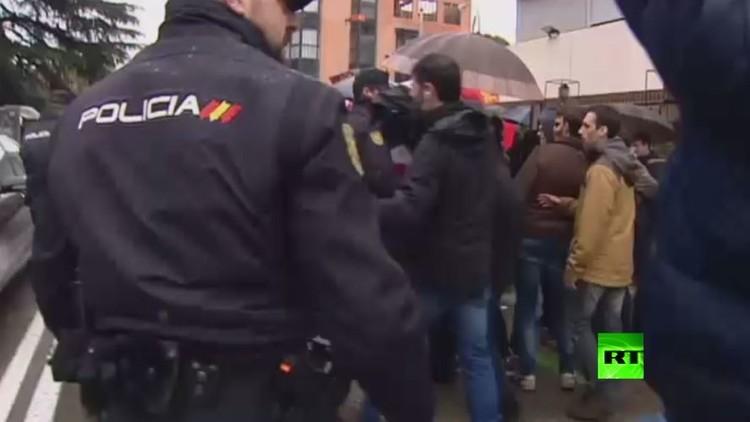 صدامات بين مؤيدي ومعارضي كاسترو في مدريد