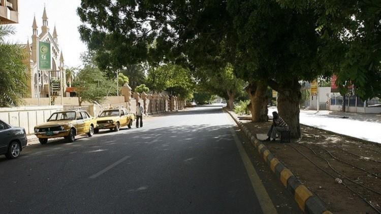 إضراب في الخرطوم احتجاجا على زيادة أسعار المحروقات