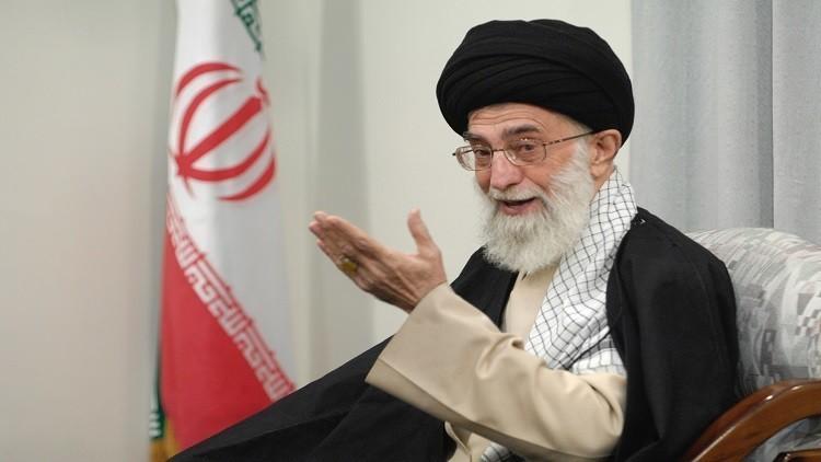 خامنئي يدعو لتعزيز تواجد إيران بالمياه الدولية