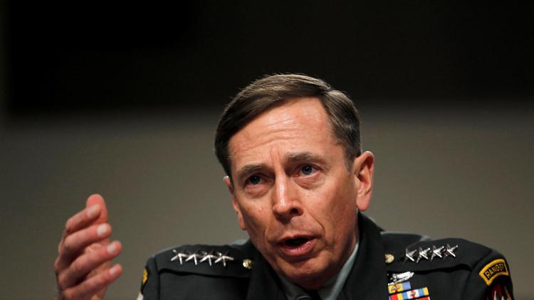 ترامب يدرس تعيين الجنرال بتريوس وزيرا للخارجية