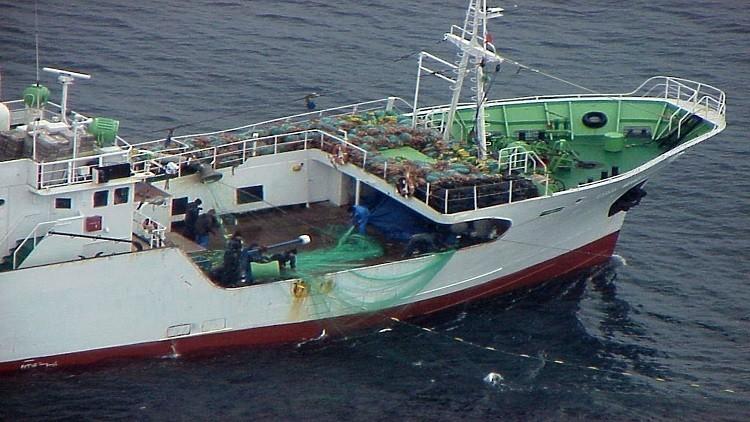 احتمال وجود روس بين طاقم سفينة مختطفةقرب ساحل بنين