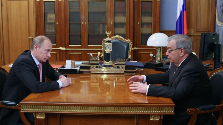 يفغيني بريماكوف وفلاديمير بوتين